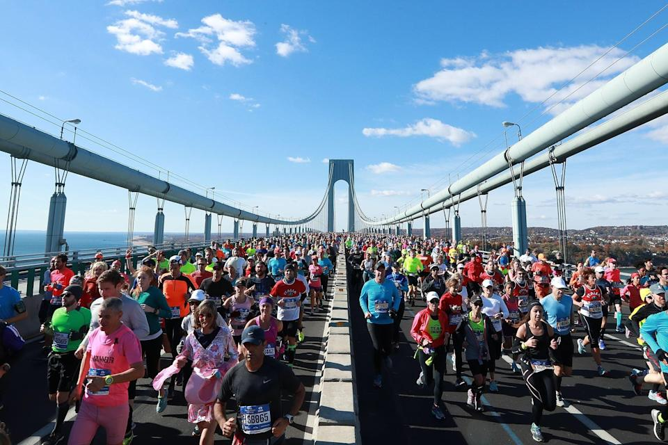 NEW YORK, NY - NOVEMBER 06:  Runners cross the Verrazano-Narrows Bridge at the start of the 2016 TCS New York City Marathon on November 6, 2016 in the Brooklyn borough of New York City.  (Photo by Michael Reaves/Getty Images)