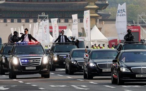 <span>A convoy transporting South Korean President Moon Jae-in leaves the Presidential Blue House for the inter-Korean summit in Seoul</span> <span>Credit: Reuters </span>