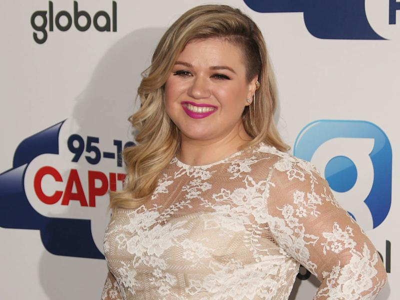 Kelly Clarkson tapped for American Idol judging role - report