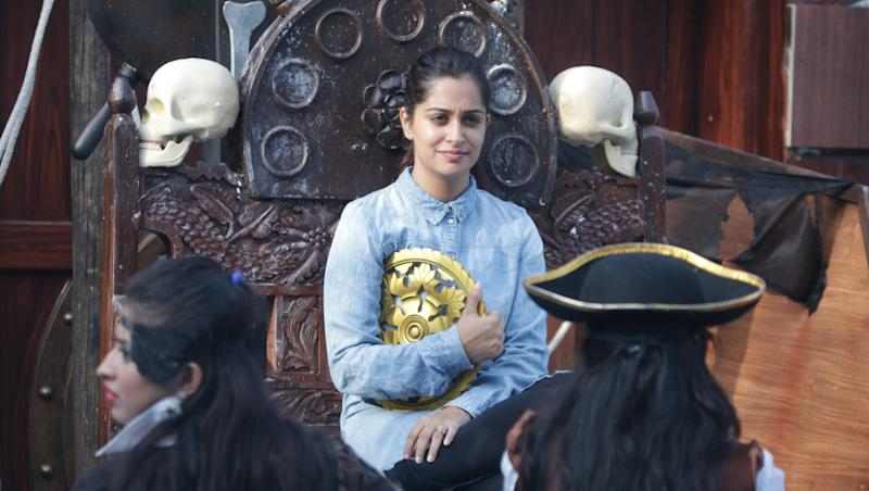 Bigg Boss 12: S Sreesanth Threatens to Slap Somi Khan; Srishty Rode, Dipika Kakar, Nehha Pendse Give It Their All in the Latest Luxury Budget Task