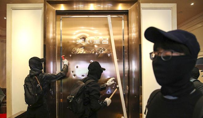 Previous comments by Annie Wu, the daughter of the founder of Hong Kong restaurant chain Maxim's, have sparked waves of vandalism against its venues by masked radicals. Photo: Winson Wong