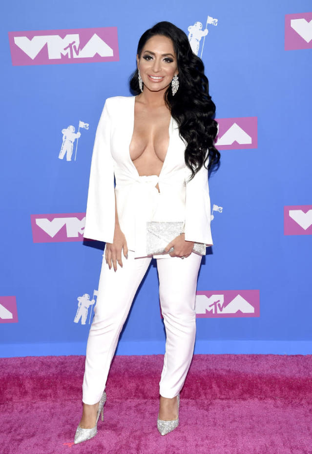 <p>Angelina Pivarnick arrives at the MTV Video Music Awards at Radio City Music Hall on Monday, Aug. 20, 2018, in New York. (Photo: Evan Agostini/Invision/AP) </p>
