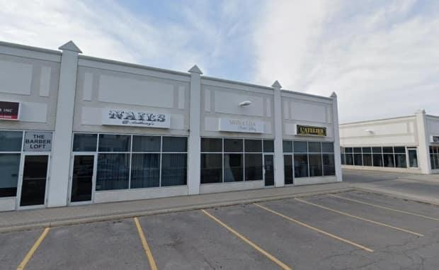 The public health agency says Nails at Anthon's on Weston Road had not properly maintained a list of patrons and did not track the type of service each client received, nor the name of the staff member who provided it.  (Google Maps - image credit)