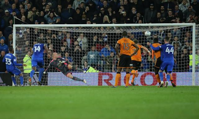 Warnock calls Nuno 'a disgrace' after Wolves survive Cardiff penalty frenzy