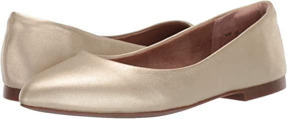 Amazon Essentials Women's Pointed Toe Flat has a 6mm memory foam insole.