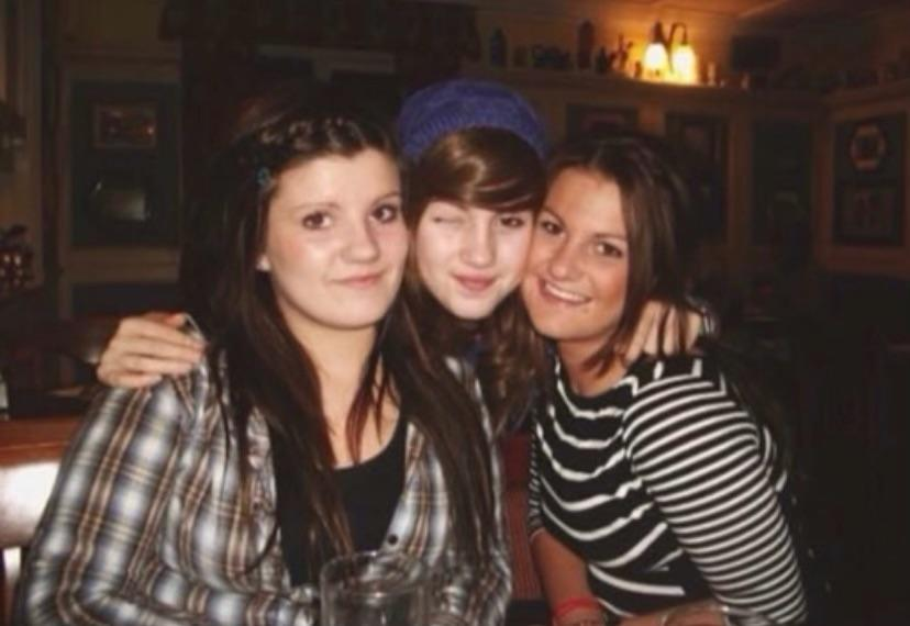 Livi Deane with her two sisters, Lauren and Georgia. (Supplied)