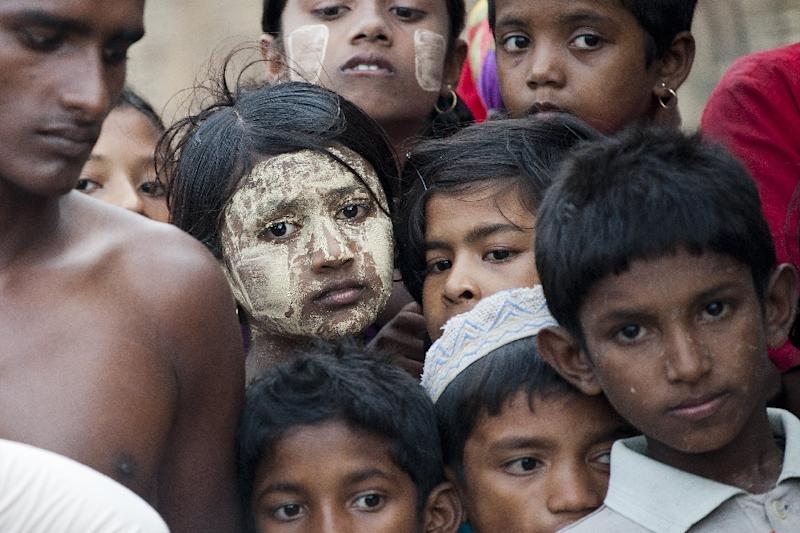 Young ethnic Rohingya Muslims at a camp set up outside the city of Sittwe in Myanmar's Rakhine state on May 20, 2015 (AFP Photo/Ye Aung Thu)