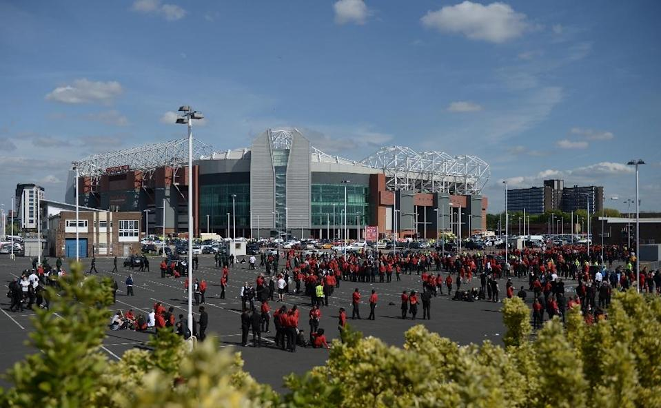 Manchester United has vowed to reimburse the tickets of 75,000 fans who were evacuated (AFP Photo/Oli Scarff)