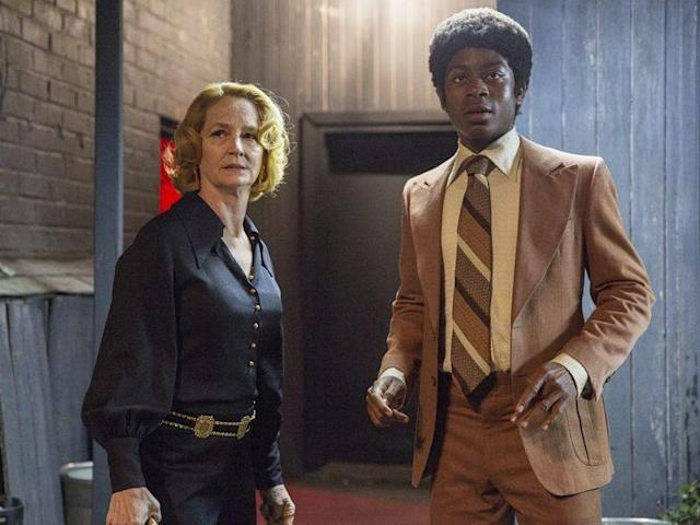 Melissa Leo as Goldie and RJ Cyler as Adam in Showtime's <em> I'm Dying Up Here.</em> <br>(Photo: Lacey Terrell/Showtime)