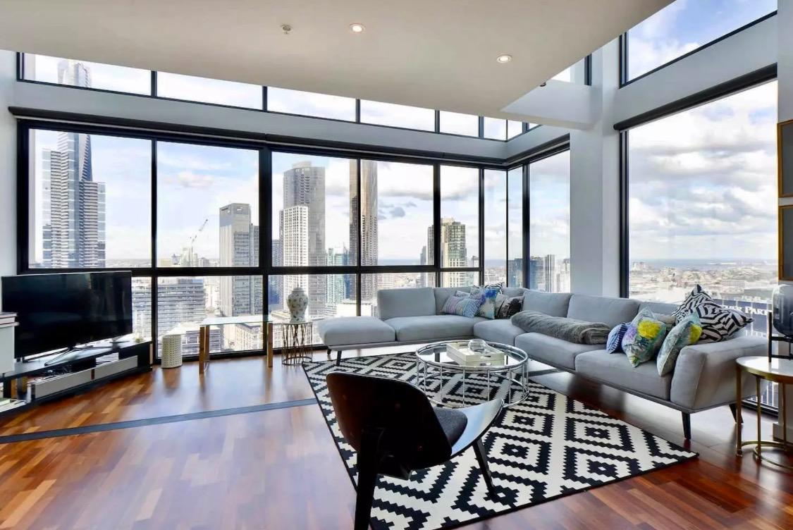 "<p>The first property is an <a rel=""nofollow"" href=""https://www.airbnb.com/rooms/11971652"">incredible penthouse</a> in the top city on the list, Melbourne, Australia. This unit rents for $206 per night.<br />(Airbnb) </p>"