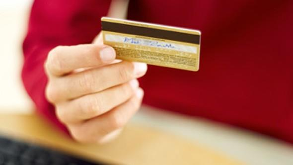 Consumers warned over Christmas credit card spending