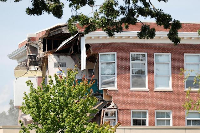 <p>Damage to the building is seen as emergency personnel work the scene of school building collapse at Minnehaha Academy in Minneapolis, Minnesota, August 2, 2017. (Adam Bettcher/Reuters) </p>