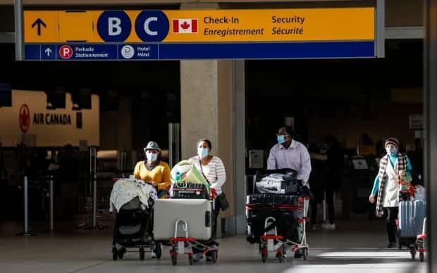 Nearly 2,000 travellers enrolled Alberta's COVID-19 border testing pilot project that can shorten quarantine