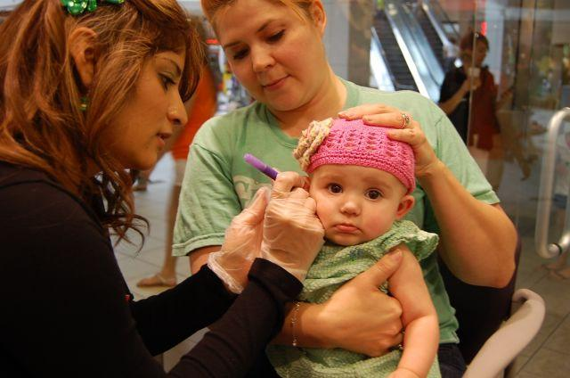 Precautions To Be Taken While Getting Baby's Ear Pierced