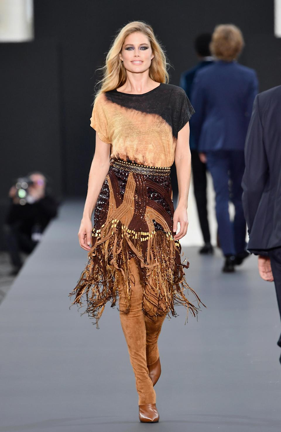 <p>The Dutch model was all-smiles on the catwalk. <i>[Photo: Getty]</i> </p>
