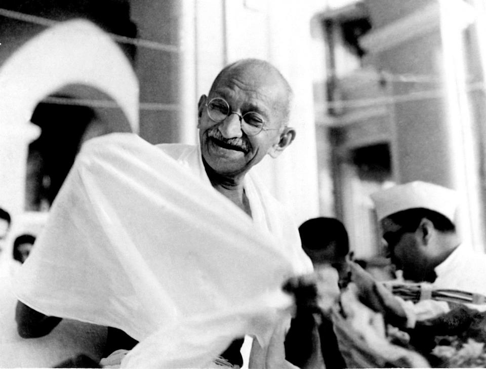 When you think of Mahatma Gandhi, you often think of a quiet, humble, and grounded human being. So, you can imagine the shock on people's faces when a photograph of Gandhi dancing with a white woman emerged. For a while, the world believed it to actually be the freedom fighter shaking his leg. But, after proper research, the man in the photograph was identified as an Australian actor who decided to dress like Gandhi and attend a charity event in Sydney.