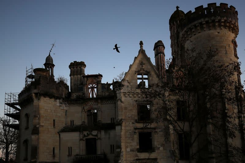 """French """"fairytale"""" Chateau with 25.000 owners prepares to celebrate Christmas"""