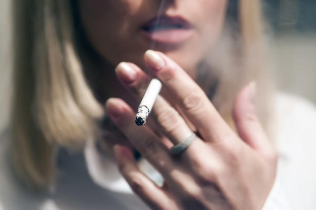 Research suggests lonely people find it harder to quit smoking. (Getty Images)
