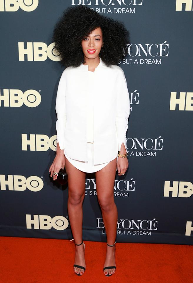 "NEW YORK, NY - FEBRUARY 12:  Singer/songwriter Solange Knowles arrives at ""Beyonce: Life Is But A Dream"" New York Premiere at Ziegfeld Theater on February 12, 2013 in New York City.  (Photo by Charles Eshelman/FilmMagic)"