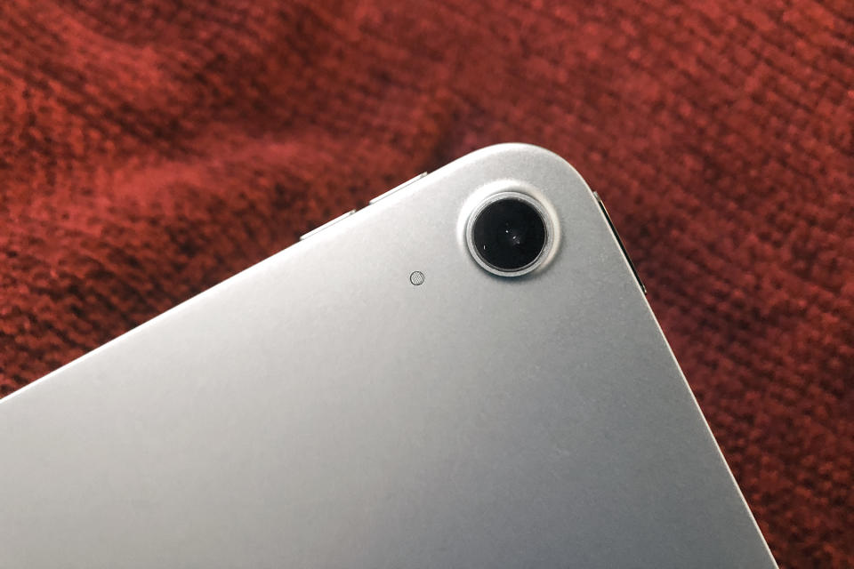 The rear camera module on the 2020 Apple iPad Air.