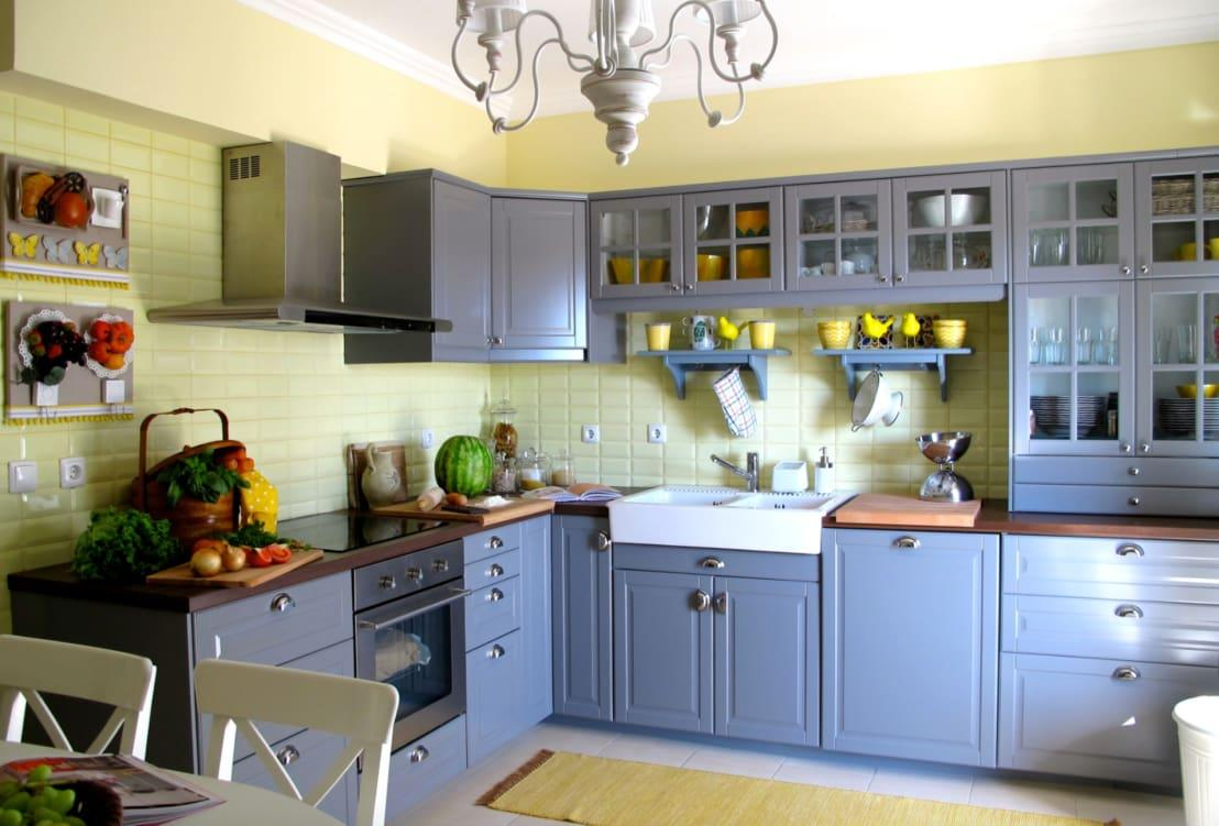 """<p>Clean as you cook! Refuse to let waste pile up in your<a rel=""""nofollow"""" href=""""https://www.homify.co.uk/rooms/kitchen"""">kitchen</a>. Always give those surfaces a quick rubdown with disinfectant before bedtime – it only takes a few seconds.</p>  Credits: homify / Rafaela Fraga Brás Design de Interiores & Homestyling"""