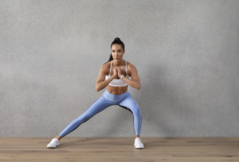 Australian fitness trainer Kayla Itsines designed a 5-Day Workout Challenge for Yahoo readers that requires no equipment. (Photo: Kayla Itsines)