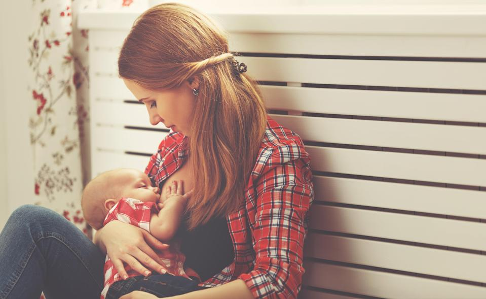 PHE have introduced a new breastfeeding virtual assistant to help new mums [Photo: Getty]