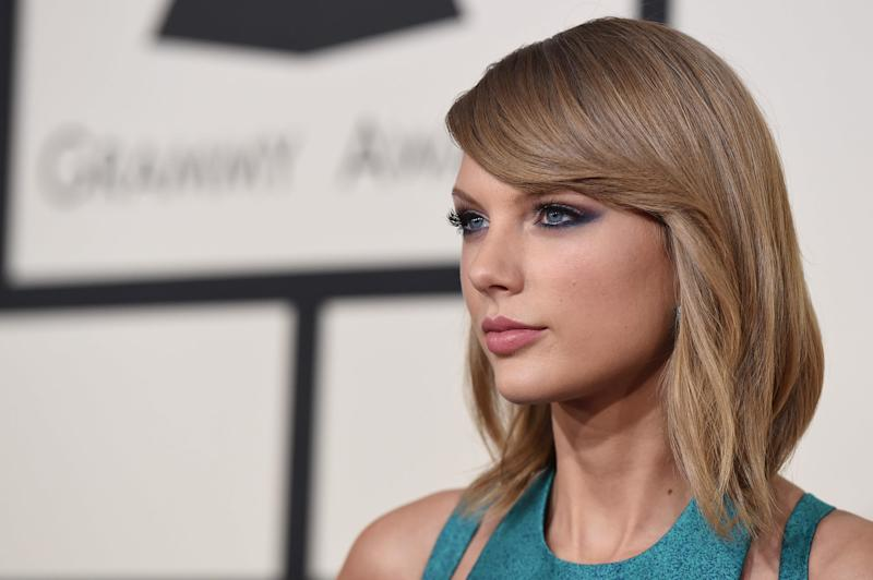 How Taylor Swift's political endorsement could become the 'biggest ripple ever' at the polls