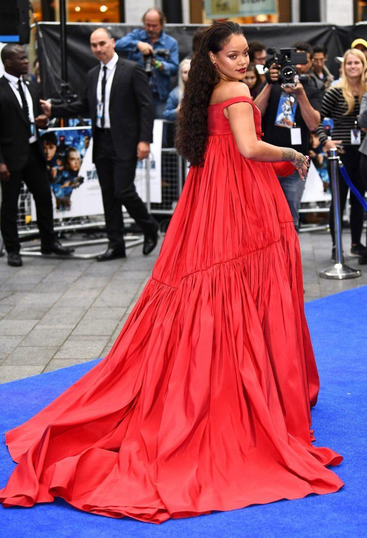 The back of her dress was just as eye-catching. (Photo: Getty Images)