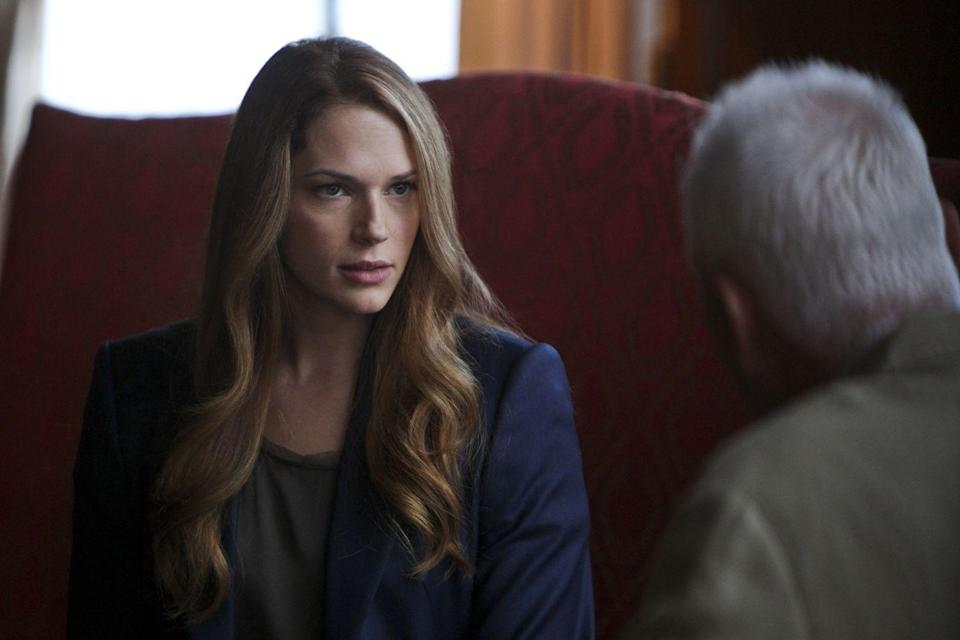 """<p>But her character Grace Van Pelt wasn't seeing anyone at the time, so the crew filmed her <a href=""""https://tvline.com/2012/08/21/the-mentalists-amanda-righetti-pregnant/"""" rel=""""nofollow noopener"""" target=""""_blank"""" data-ylk=""""slk:sitting at her desk"""" class=""""link rapid-noclick-resp"""">sitting at her desk</a> for most of the season! Her son, Knox Addison, was born in January 2013.</p>"""