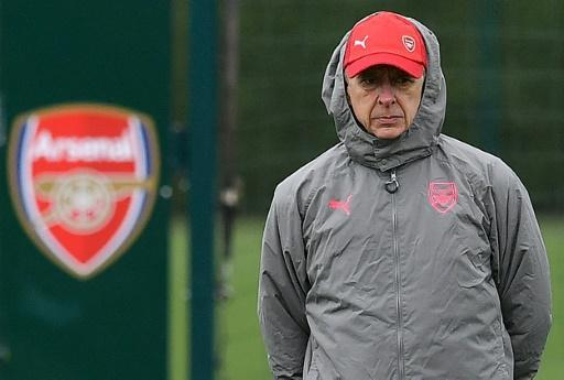 <p>Wenger tells Arsenal to embrace Europa League pressure</p>