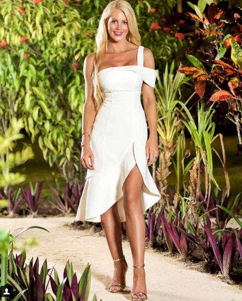 <p>She shares an official Bachelor In Paradise promo pic. Looking stunning as always. Photo: Instagram/alioetjen </p>