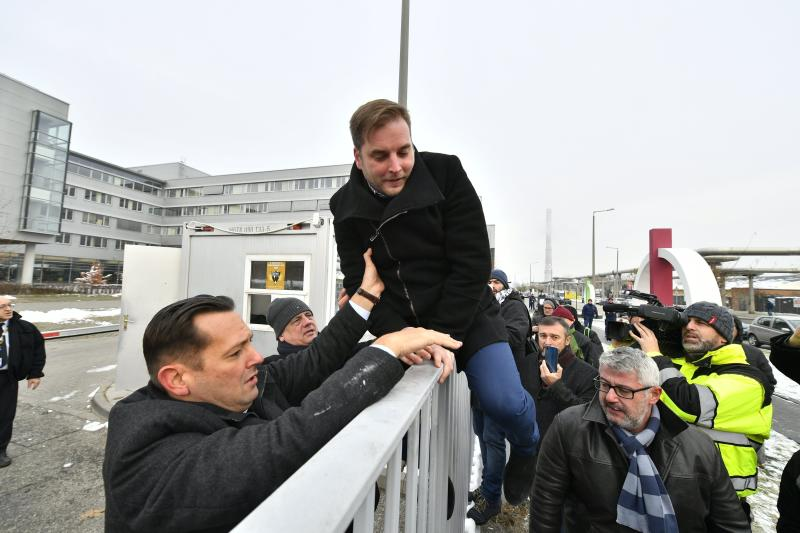 Hungary: 15,000 take to streets in 4th day of protests