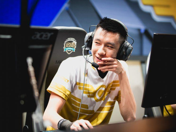 Hai is the mid laner for FlyQuest (lolesports)