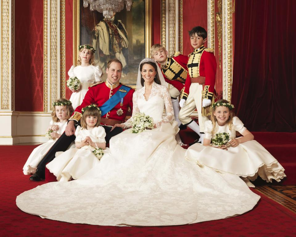 Britain's Prince William and his bride Catherine, Duchess of Cambridge, pose for an official photograph, with their bridesmaids and pageboys, on the day of their wedding, in the throne room at Buckingham Palace, in central London April 29, 2011.  (clockwise from bottom right) Margarita Armstrong-Jones, Eliza Lopes, Grace van Cutsem, Louise Windsor, Tom Pettifer, William Lowther-Pinkerton. Photograph taken on April 29, 2011.  (ROYAL WEDDING)   REUTERS/Hugo Burnand/Clarence House/Handout    (BRITAIN - Tags: ENTERTAINMENT SOCIETY ROYALS IMAGES OF THE DAY) NO COMMERCIAL OR BOOK SALES. FOR EDITORIAL USE ONLY. NOT FOR SALE FOR MARKETING OR ADVERTISING CAMPAIGNS. THIS IMAGE HAS BEEN SUPPLIED BY A THIRD PARTY. IT IS DISTRIBUTED, EXACTLY AS RECEIVED BY REUTERS, AS A SERVICE TO CLIENTS