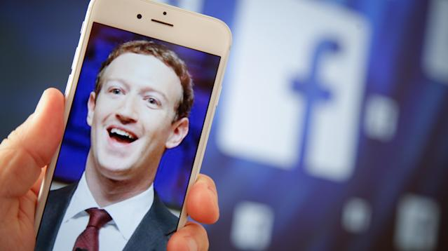 WASHINGTON ― Two Democratic senators began circulating a letter to gain support for legislation mandating disclosure for online political advertising the same day that Facebook announced it would implement its own self-imposed rules for disclosing advertising on the site.