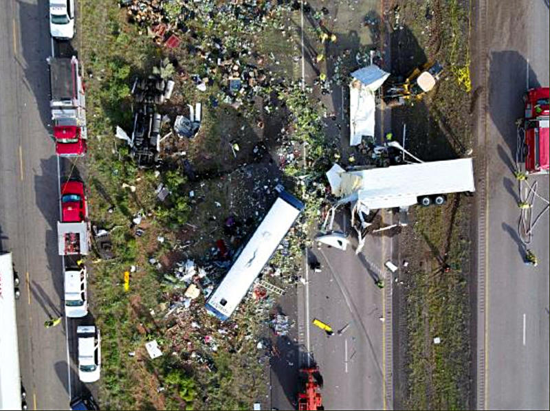 The Latest: 5 of 8 killed in New Mexico crash identified