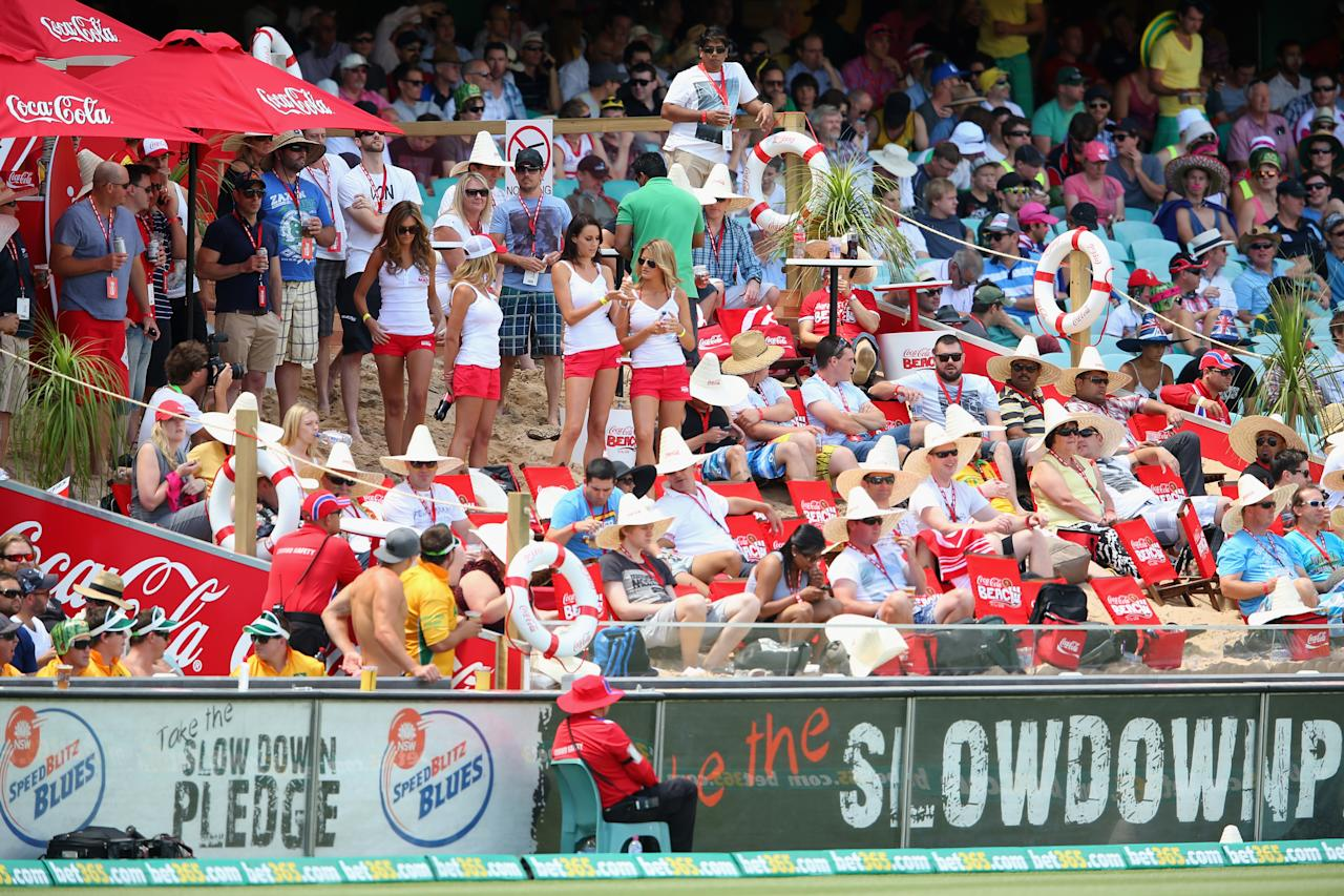 SYDNEY, AUSTRALIA - JANUARY 03: Fans enjoy themselves at a temporary beach set up in the Victor Trumper stand during day one of the Third Test match between Australia and Sri Lanka at Sydney Cricket Ground on January 3, 2013 in Sydney, Australia.  (Photo by Cameron Spencer/Getty Images)