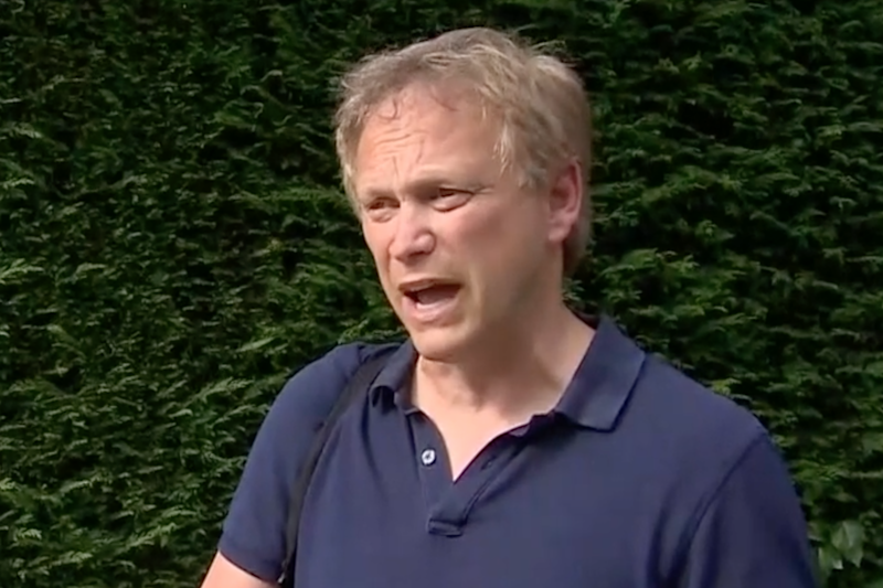 Grant Shapps returning home from Spain (BBC News)