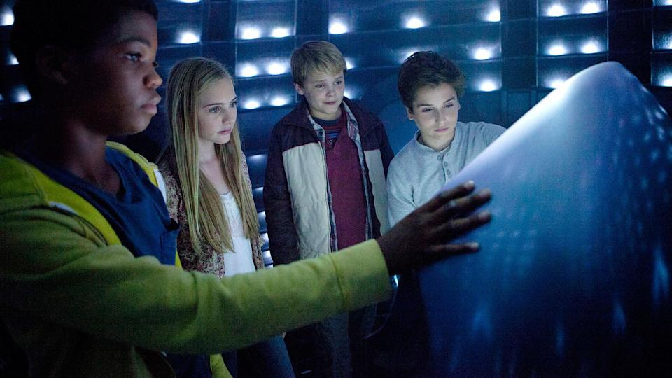 Brian Bradley, Ella Linnea Wahlstedt, Reest Hartwig, and Teo Halm in 'Earth to Echo' (Relativity)