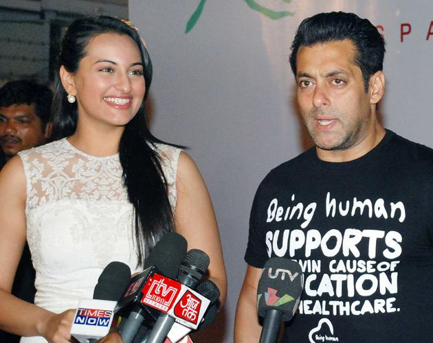 Salman and  Sonakshi chat up