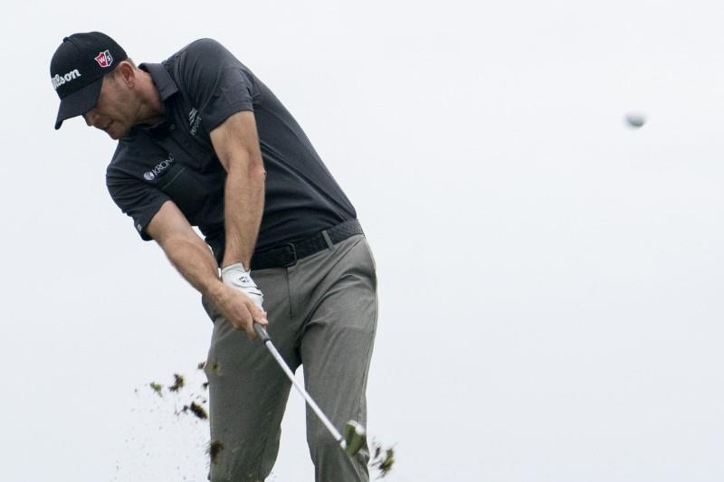Golf: Steele grabs march on field with birdies at final three holes