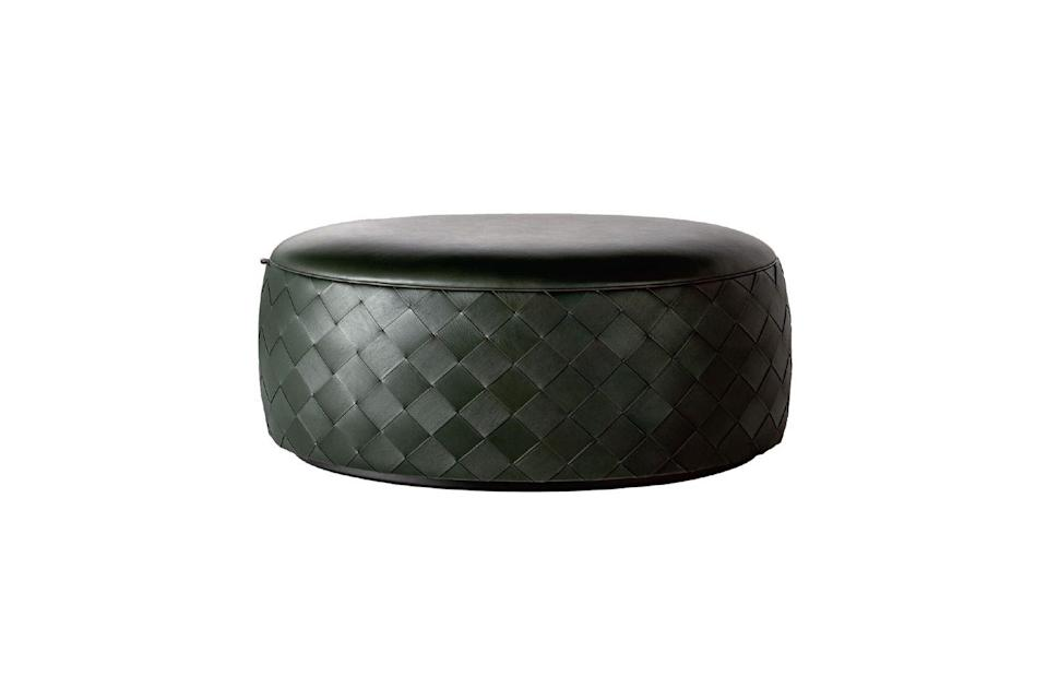 <p>Il pouf Grant Deluxe, <strong>Poltrona Frau</strong>. <strong><br></strong></p>