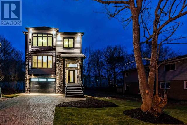 <p><span>5826 Fays Lane, Halifax, N.S.</span><br> Location: Halifax, Nova Scotia<br> List Price: $1,015,000<br> (Photo: Zoocasa) </p>