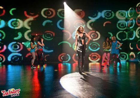 """Britney Spears """"Turned Up Her Performance"""" for Sons at Twister Dance Shoot"""
