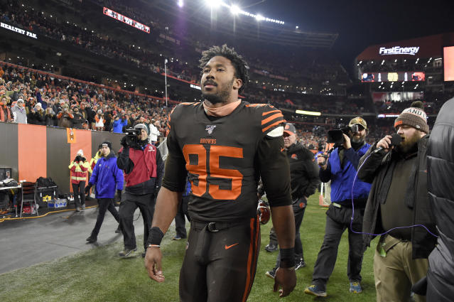 Myles Garrett being ejected from the game (Credit: Getty Images)