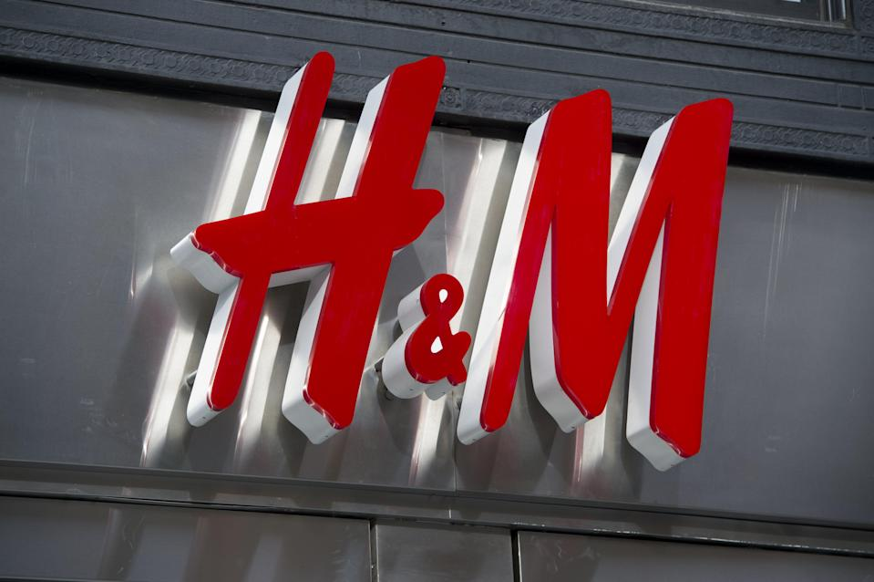 H&M is testing out a new delivery method for its customer orders in the Netherlands.