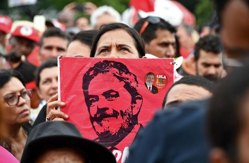 Many of Brazil's political elite, who themselves are under investigation for graft, are watching the Lula saga with alarm (AFP Photo/EVARISTO SA)