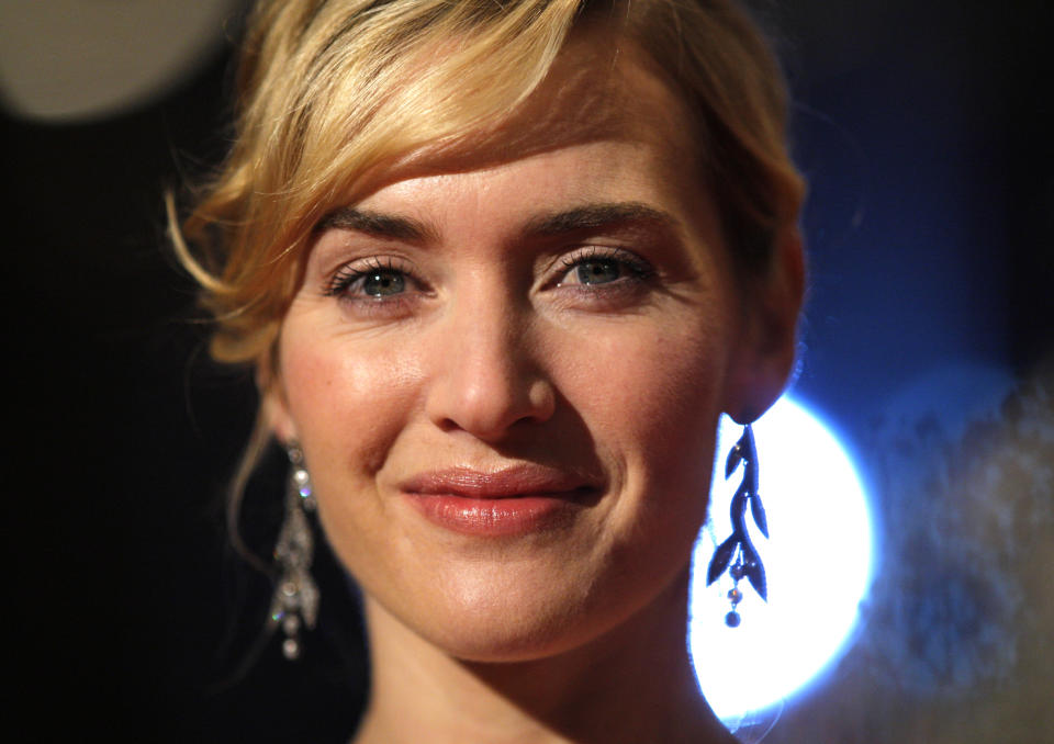 Actress Kate Winslet arrives for the screening of 'The Reader' during the 59th Berlinale International Film Festival in Berlin, February 6, 2009.  REUTERS/Johannes Eisele (GERMANY)