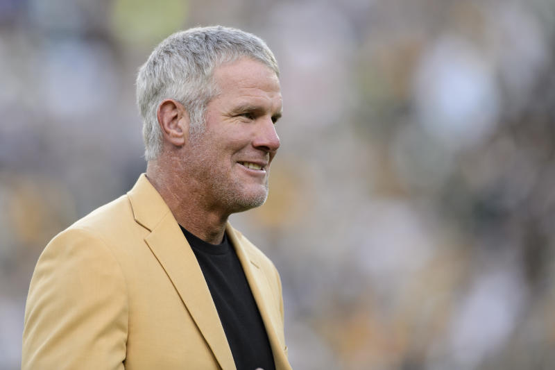 Brett Favre Teases Comeback on Instagram Before Deleting Post